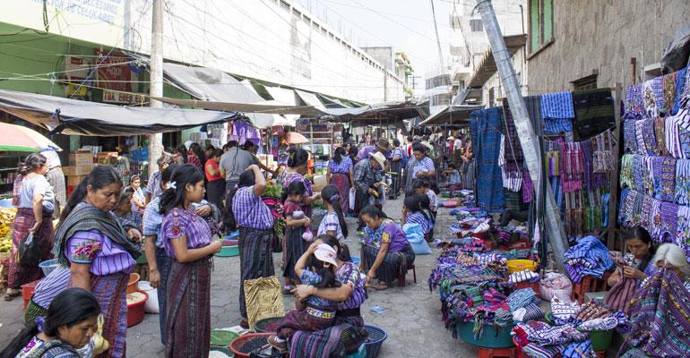 Mercado del lago Atitlán